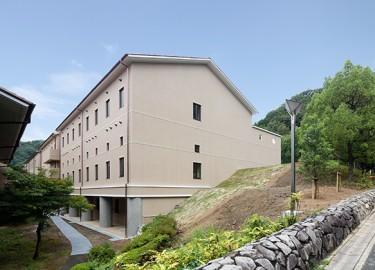 国際日本文化研究センター図書館_外観南東面