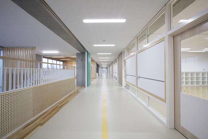 05_3階廊下